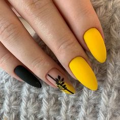 nailed it makeup nails wedding nail nail how to nail designes dearra nails nails.- - nailed it makeup nails wedding nail nail how to nail designes dearra nails - Nails Now, Aycrlic Nails, Hair And Nails, Nail Nail, Glitter Nails, Minimalist Nails, Minimalist Bedroom, Nail Swag, Yellow Nails Design
