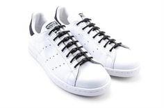 SolidBlack Sneakers, Travel, Shoes, Fashion, Tennis Sneakers, Voyage, Sneaker, Zapatos, Moda
