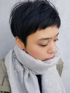 黒髪×ベリーショートは大人の落ち着きをUP よしだ なおよ | Cheveux