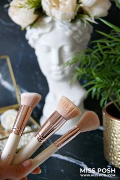 Old Makeup, Make Makeup, How To Clean Makeup Brushes, How To Apply Makeup, Highlighter Brush, Contour Brush, Liquid Foundation Brush, Brush Cleanser, Makeup Brush Cleaner