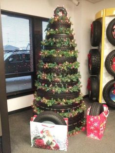 Decoraciones navideñas con llantas o neumáticos - Dale Detalles