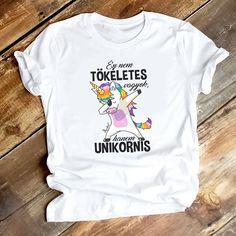 Unikornis póló, S-M-L-XL-XXL méretben rendelhető a webshopban látható mérettáblázat alapján. T Shirt, Clothes, Tops, Women, Fashion, Supreme T Shirt, Outfits, Moda, Tee Shirt