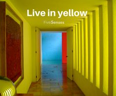 """""""Vive en amarillo"""" Por que el diseño también se vive, esta imagen es de una casa diseñada por Luis Barragán en la Ciudad de México, en la cual el juego de colores y luces la hace extraordinaria."""