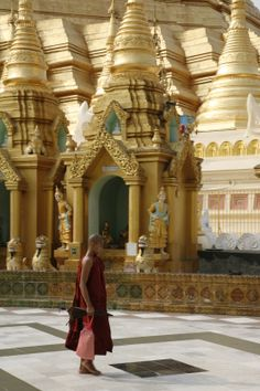 Pagoda Shwedagon, Yangon, #Myanmar.