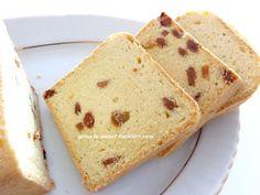tarif defterinde binlerce üyenin beğendiği enfes pastahane usulü üzümlü kekim...üzüm ilave etmeden yaparsanız harika bir pandispanya ...