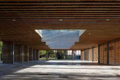 Halles du Marché couvert de Sautron réalisées par l'agence Chouzenoux architectes, projet mentionné au prix Départemental d'architecture du CAUE 2012
