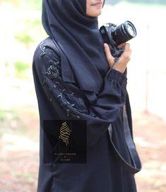 Why did Muslims women wear the HIJAB? Abaya Fashion, Modest Fashion, Muslim Wedding Dresses, Abaya Designs, Islam Beliefs, Islam Religion, Muslim Women, Kids Wear, Nike Style