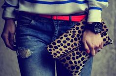 Clare Vivier Leopard foldover Love it! Moss Fashion, Grey Fashion, Autumn Winter Fashion, Spring Fashion, Happily Grey, Leopard Clutch, Mixing Prints, Mixing Patterns, Maternity Fashion