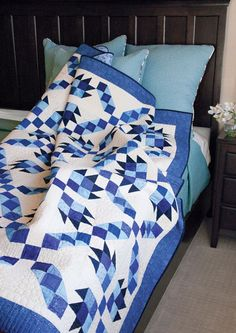 Blueberry Pie Quiltmaker May/June 2016 Quilt Kits, Quilt Blocks, Blue Quilts, White Quilts, Bear Paws, Easy Quilts, Digital Pattern, Quilt Making, Quilting Projects