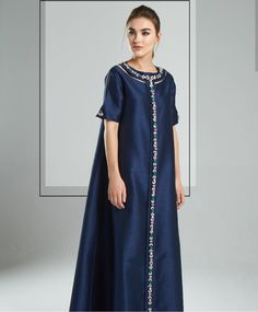 Simple keren Lovely Dresses, Modest Dresses, Elegant Dresses, Arab Fashion, Urban Fashion Women, African Dresses For Women, African Fashion Dresses, Gaun Dress, Long Dress Patterns