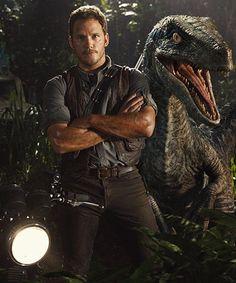 Here is a Brand NEW ! Still pic from Jurassic World Featuring Chris Pratt and a Animatronic Velociraptor. Jurassic World hits the big screen on June 2015 ! Jurassic World Chris Pratt, New Jurassic World, Jurassic Movies, Silviu Tolu, The Blues Brothers, Michael Crichton, World Movies, Cinema, Falling Kingdoms