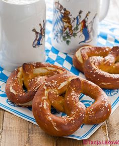 Kuhinja zaposlene žene: Bavarske perece / Bavarian pretzels