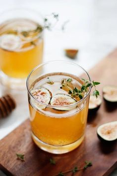 A homemade thyme-infused fig syrup is combined with champagne and apple cider to make this Sparkling Fig and Honey Cocktail. ** Read more at the image link. Beste Cocktails, Easy Cocktails, Cocktail Drinks, Cocktail Recipes, Alcoholic Drinks, Beverages, Sweet Cocktails, Frozen Cocktails, Whiskey Cocktails
