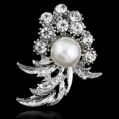 2.75$  Buy now - http://diey9.justgood.pw/go.php?t=142449301 - Flower Shape Faux Pearl Rhinestone Brooch