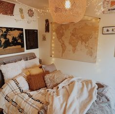 College Bedroom Decor, Room Ideas Bedroom, Home Decor Bedroom, Cozy Small Bedrooms, Minimalist Room, Aesthetic Room Decor, Cozy Room, Dream Rooms, My New Room