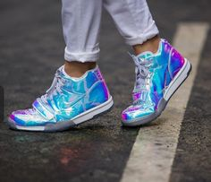 Nike sneakers in hologram/shiny blue, great with sweat pants