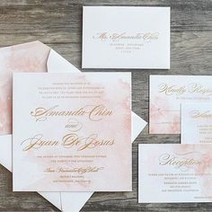 Watercolor and gold calligraphy?! Yes please! We're in love with this on-trend Rose Quartz invitation suite from @engagingpapers! #everydayIBT #wedding #stationery #calligraphy