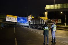 #São Paulo: Passarela é derrubada por caminhão e interdita rodovia Anchieta