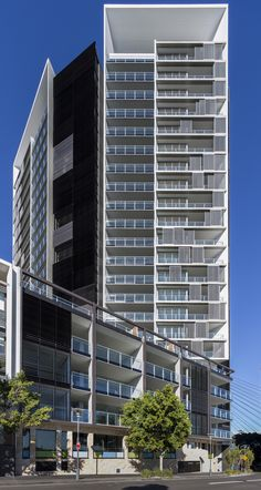 Gallery of Silk Apartments / Tony Caro Architecture - 30 - Brianna Boston - Architecture Site, Futuristic Architecture, Residential Architecture, Contemporary Architecture, Interior Architecture, Building Exterior, Building Facade, Building Design, Design Exterior
