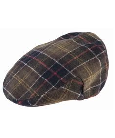 The classic flat cap dressed in Barbour's signature Original Classic Tartan and made in a warm and durable wool mix. The stiffened peak features an antique brass stud fastening. Country Hats, Country Attire, Barbour Mens, Barbour Jacket, Joules Clothing, Crew Clothing, Gentleman Hat, Wax Jackets, Tartan Pattern