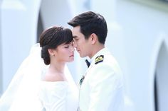 Who's excited to meet beautiful Princess Alice and handsome Bodyguard Davin in Likit Rak The Crown Princess? The lakorn. Couple Photography, Wedding Photography, Best Couple Pictures, Abc Shows, Princess Alice, Ulzzang Korean Girl, Learn Korean, Thai Drama, The Crown