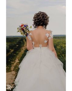 #mayafashion by #MarianaFlorea #wedding #mireselemayafashion #2017 #collection #lace #saten #tulle #bride #love #romance #forever #together #beautiful #lovehim #loveher #instalove #fashion #style #stylish #pretty #rochiidemireasa #followus Maya Fashion, Love Her, Tulle, Romance, Bride, Stylish, Wedding Dresses, Lace, Pretty