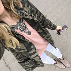 Camo and blush pink today 💚💖 and white jeans and booties