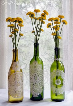DIY Wedding Centerpieces: Add paper doilies to empty wine bottles for delicate feel Reuse Wine Bottles, Wine Bottle Art, Wine Bottle Crafts, Jar Crafts, Empty Bottles, Recycled Bottles, Glass Bottles, Wood Crafts, Wine Glass