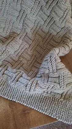 Diy Crafts - Ravelry: Double Basketweave Blanket pattern by Caroline Brooke Basic Crochet Stitches, Crochet Blanket Patterns, Baby Knitting Patterns, Baby Patterns, Diy Throw Blankets, Knitted Blankets, Diy Scarf, Manta Crochet, Easy Knitting