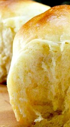 Amish Potato rolls are the best homemade rolls you will ever make! Dense, moist, fluffy dinner rolls because of the potato in the recipe No Yeast Dinner Rolls, Fluffy Dinner Rolls, Dinner Rolls Recipe, Yeast Rolls, Roll Recipe, Bread Rolls, Amish Bread Recipes, Dutch Recipes, Baking Recipes