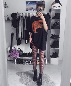 7 tips for girls who want to take off cute punk outfits Grunge Goth Cute girls Outfits punk Tips Hipster Outfits, Cute Punk Outfits, Edgy Outfits, Grunge Outfits, Summer Outfits, Fashion Outfits, Womens Fashion, Black Outfit Grunge, Edgy Hipster