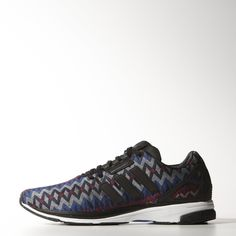 Built with the heart of the legendary ZX 8000 running shoe, the ZX Flux Zero features a one-piece textile upper with a fashionable Nordic print. Lightweight and deconstructed, it has an adizeroTM adios running outsole and reflective leather for the iconic lace ghillie and heel cage.