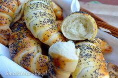 Błyskawiczne rogaliki śniadaniowe z makiem - SmakiMaroka.pl Kids Meals, Easy Meals, Bread Recipes, Cooking Recipes, Good Food, Yummy Food, Dinner Rolls, Food Design, Baguette