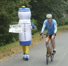Founder David Mayer is nuts...  Running along side Bill Walton.  But, David is a rocking fearless entrepreneur.  Go Dave!