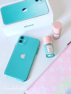 My IPHONE 11 Green 128GB - Here's my reasons why I choose the Iphone 11 over the Pro or Max and cost wasn't the only reason! Iphone Pro, Iphone Cases, Future Iphone, First Iphone, Bullet Journal Lettering Ideas, Mint Candy, Dubai Life, New Phones, Cool Gadgets