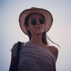 Cansu Dere #cansudere #turkish #actress #model #beauty #queen #idol #ezel #sila #tv #style #fashion #instagram #travel Divas, Nice Dresses, Round Sunglasses, Hats, Instagram Posts, Passion, Caps Hats, Actresses, Cute Dresses