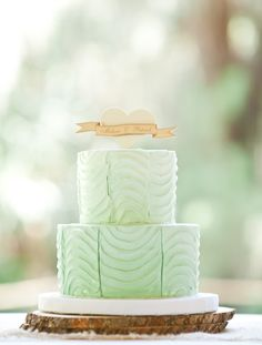 We love wedding cakes! We have everything from the latest trends (bye naked cakes!), to the flavors everyone is loving, expert tips and thousands of beautiful wedding cakes to inspire you. Cream Wedding Colors, Mint Wedding Cake, Wedding Mint Green, Summer Wedding, Wedding Desserts, Beautiful Wedding Cakes, Gorgeous Cakes, Pretty Cakes, Amazing Cakes