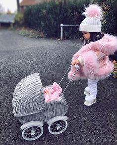 Baby goals 👶🏻 Cute or not ? Fashion Kids, Baby Girl Fashion, Toddler Fashion, Cute Baby Girl Outfits, Cute Baby Clothes, Outfits Niños, Kids Outfits, Fashion Outfits, Toddler Girl