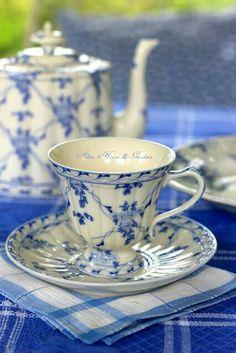 pretty blue and white set