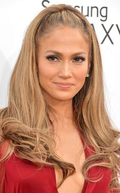 Click for tips on how to copy Jennifer Lopez's mod tresses and smoky cat eye!