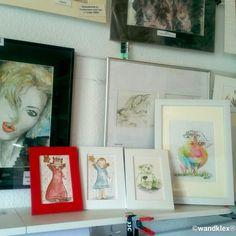 Langsam füllen sich die Regale - nicht nur die echten im Atelier, sondern auch die hier im #etsyshop. Alle Bilder auf dem Bord sind schon auf #unseretsy zu haben, weitere warten schon darauf, endlich auch hier auf ihr neues Zuhause warten zu dürfen. #wandklex #malerei #handgemalt #aquarell #kunst #art #watercolor #Zeichnung #Bär #kinderzimmerdeko #Unikat #nursery #schutzengel #guardianangel #teufelchen #teddy #kinderzimmer #interieur #babyzimmer #nursery #kinder #etsyfinds #etsygifts