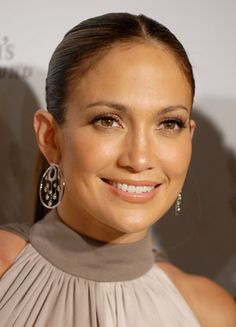 Jennifer Lopez and her gorgeously glowing skin!