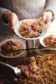 Baked Berry Crisp - Oh my goodness, this is so good!! I could seriously eat 1/2 the pan of this stuff!