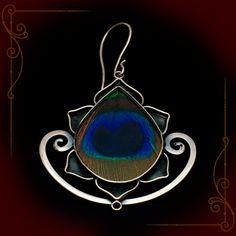 Silver_Peacock_Lg