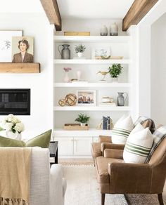 This Chic Home in Minnesota Is Making Our Heads Spin Living room shelves Home Living Room, Living Room Designs, Living Room Decor, Living Spaces, Small Living, Modern Living, Cozy Living, Decor Room, Natural Living Rooms