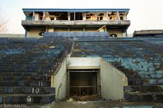 An Ohio stadium that hosted rock and roll legends and football games for decades after it was built during the Second World War now sits abandoned in Akron. Abandoned Ohio, Abandoned Houses, Abandoned Places, Old Houses, University Of Akron, Akron Ohio, Ohio Stadium, Cuyahoga Falls, Rock Legends