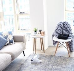 Light bright lounge room