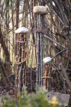 Vom Gartenschnitt zur Frühjahrsdeko - Säulen aus Ästen