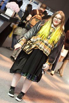 Don't Shoe Me: Hot Chick Alert: Street Fashion