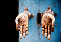 A front gate in Thailand with buddha hand. A front gate in Thailand with buddha hands serving as handle - Door Knobs And Knockers, Knobs And Handles, Door Handles, Door Pulls, Buddhas Hand, Les Doors, Meditation, Front Gates, D House